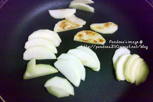 用平底鍋烤蘋果