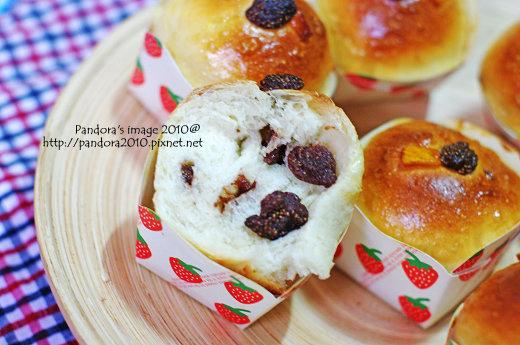 金牌吐司&草莓果乾麵包