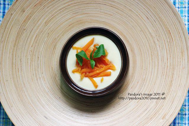 胡蘿蔔豆漿蒸蛋