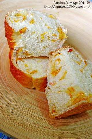 笑CC橘子麵包