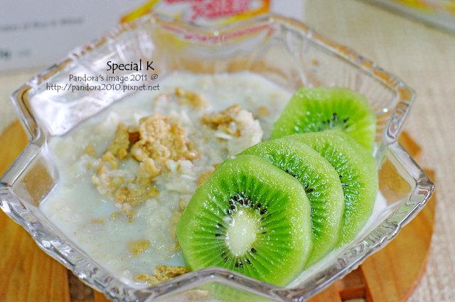 Special K + 牛奶麥片 + 水果