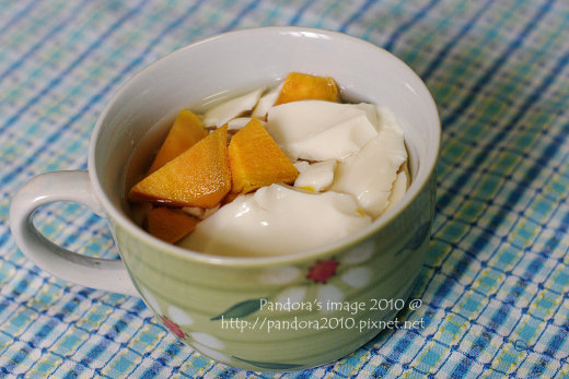 地瓜糖水豆花 Tofu pudding