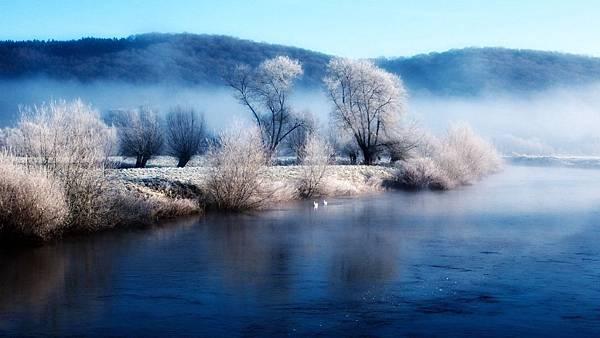 湖畔霧色.jpg