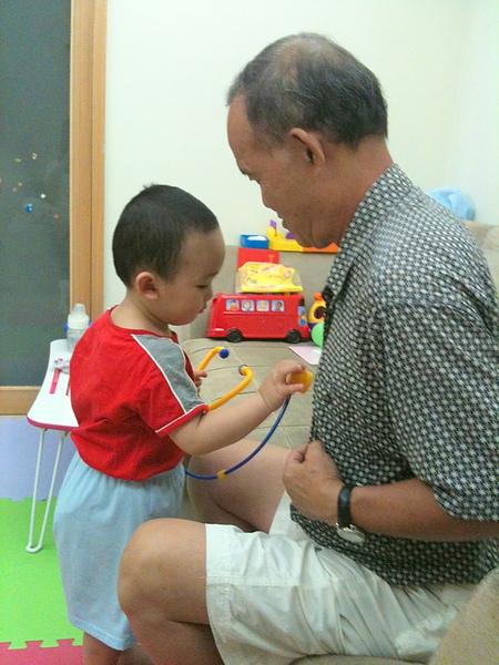 當小小醫生