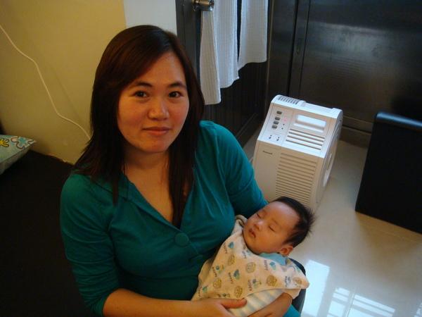 大姨姨抱小米