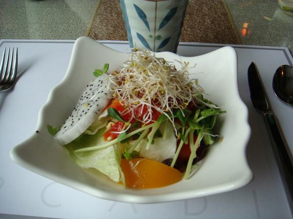 馬麻的沙拉,很好吃唷