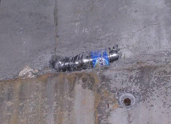 核四廠反應器廠房結構剪力牆尿尿保特瓶