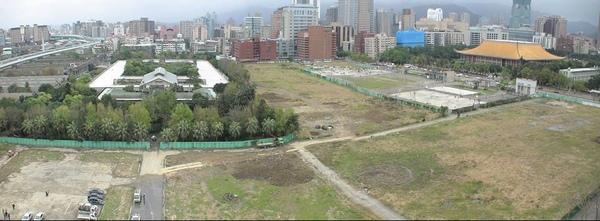 2011-讓我們把綠意種回來!