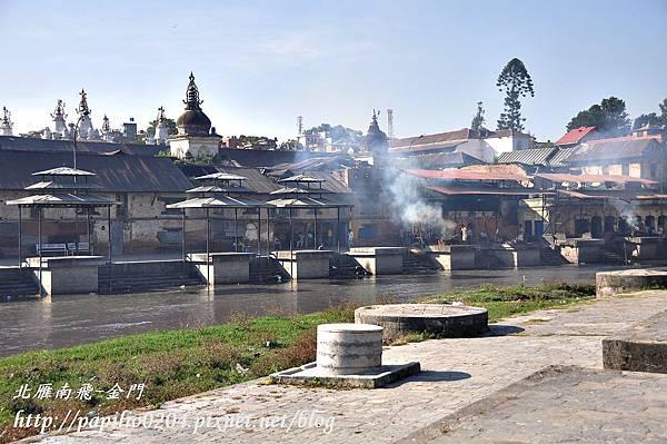 帕素帕蒂納廟(Pashupatinath)與巴格馬提河(Bagmati River)畔的火葬
