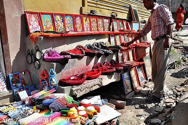 加德滿都(Kathmandu)市區中賣蒂卡(Tika)的小攤