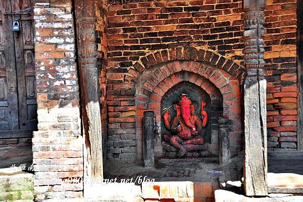 巴克塔布(Bhaktapur)古都中的甘尼許神(Ganesh)雕像