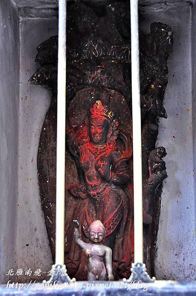 帕坦古都(Patan)千佛廟(Mahaboudha Temple)中的佛母摩耶夫人像