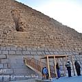孟卡拉金字塔的入口