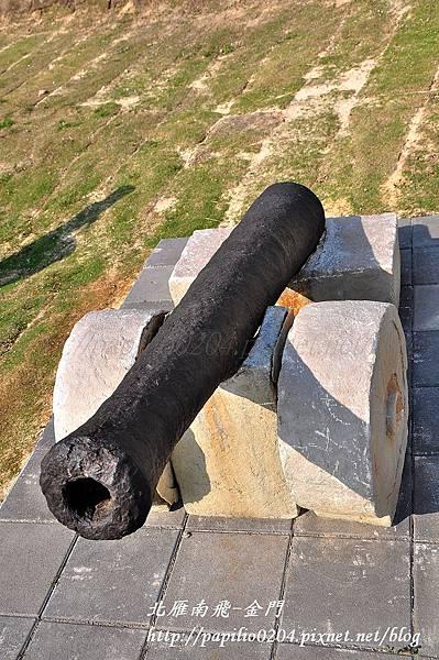 歷史民俗博物館前的古砲之ㄧ