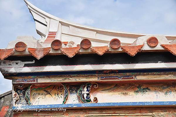 西山前李宅18號水車堵彩繪與燕尾翹脊