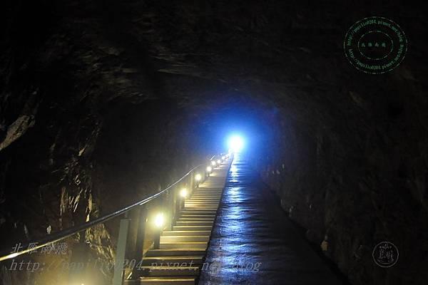 安東坑道出口階梯