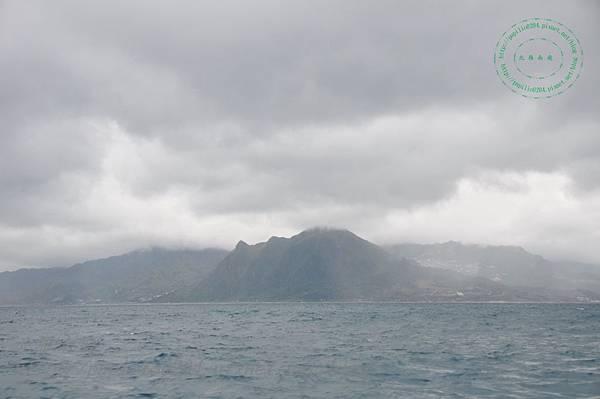 雲霧繚繞中的基隆山