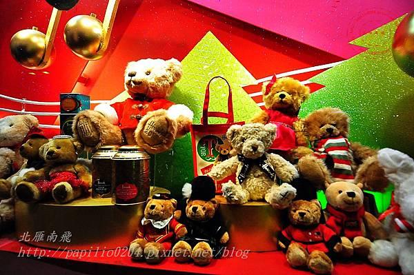 16新光三越台中店的聖誕櫥窗.JPG