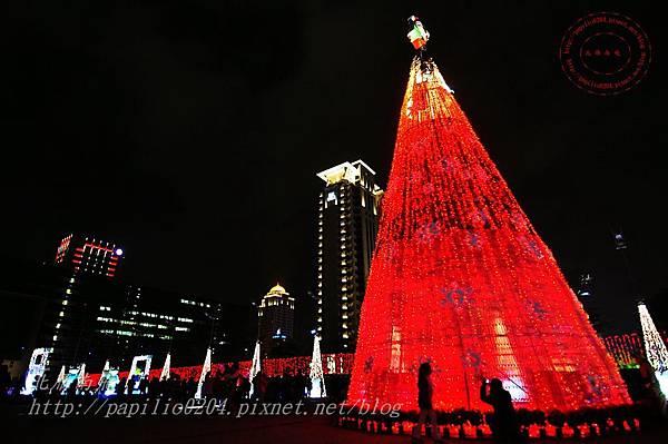 29台中市政府前廣場聖誕樹.JPG