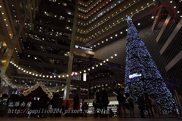 39新時代購物廣場台中店聖誕樹.JPG