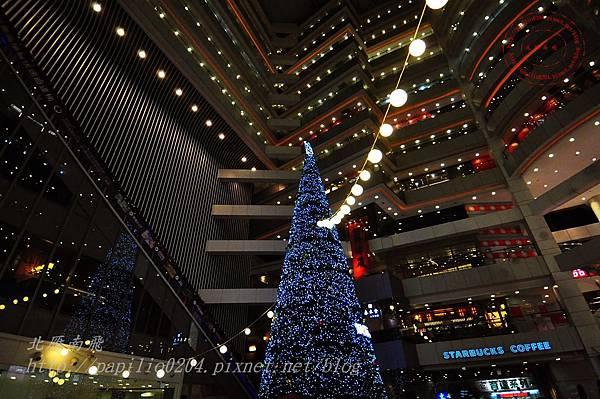 40新時代購物廣場台中店聖誕樹.JPG