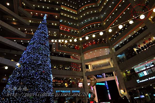 41新時代購物廣場台中店聖誕樹.JPG