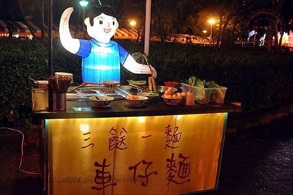 19 2014中臺灣元宵燈會香港花燈.JPG