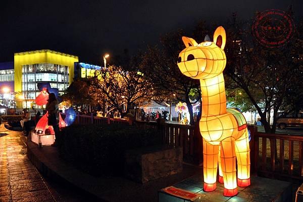 27 2014中臺灣元宵燈會傳統創作燈區.JPG