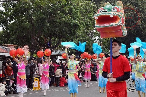 45 2014台灣燈會踩街遊行台灣南投民族舞團.JPG