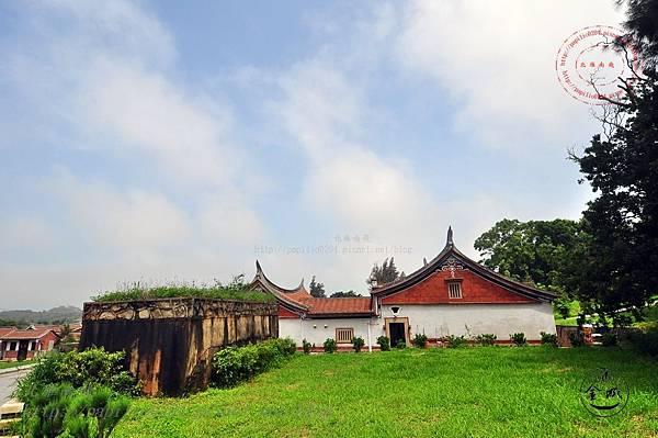 38黃天露宅與碉堡.JPG