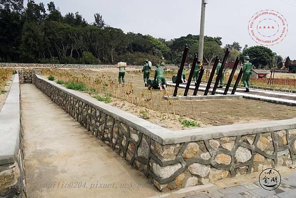 24 八二三砲戰紀念園區-運補坑道.JPG