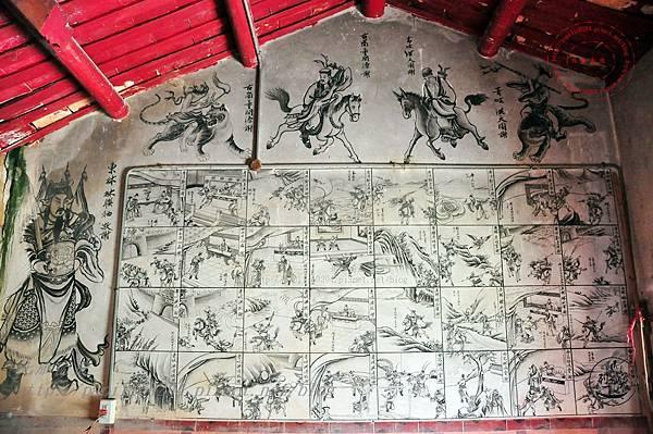22保障宮左側牆面壁畫.JPG