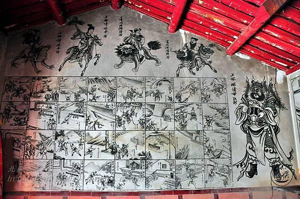 26保障宮右側牆面壁畫.JPG