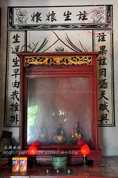 18金門塘頭金蓮寺正殿壁畫與神尊