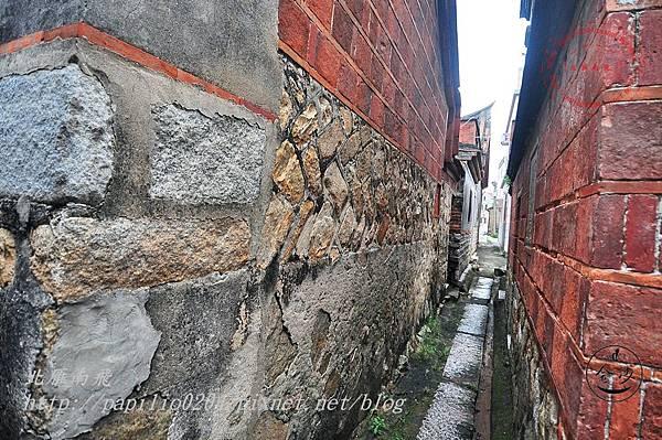 15金門張氏古厝(沙美101號)[歷史建築]旁的小巷.JPG