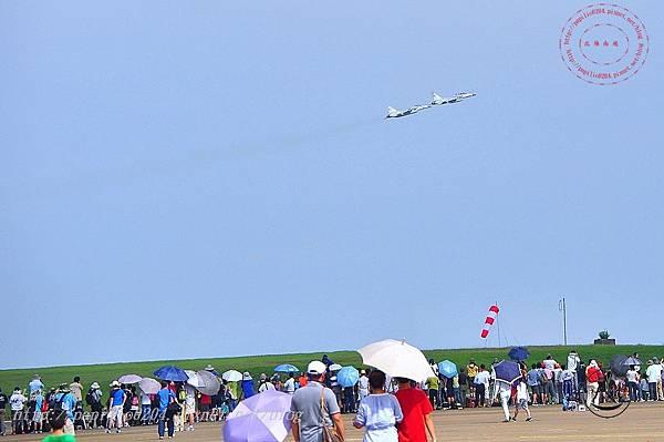 03 20140719清泉崗空軍基地營區開放-起飛的戰鬥機.JPG