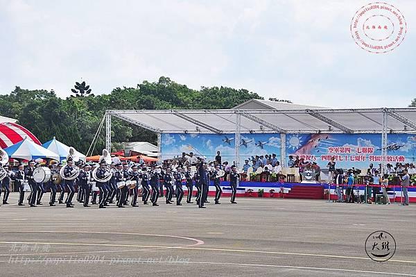 07 20140719清泉崗空軍基地營區開放-空軍樂儀隊表演.JPG