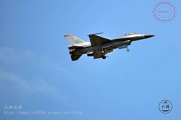 11 20140719清泉崗空軍基地營區開放-F16戰鬥機衝場飛行表演.JPG