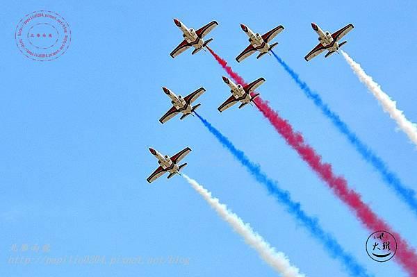 17 20140719清泉崗空軍基地營區開放-雷虎小組飛行表演.JPG