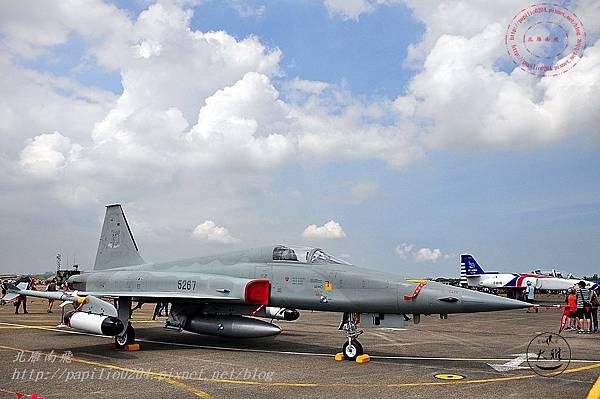 47 20140719清泉崗空軍基地營區開放-靜態展示F-5E型戰鬥機(單座).JPG