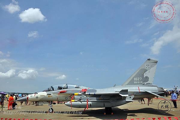 51 20140719清泉崗空軍基地營區開放-靜態展示IDF經國號戰鬥機.JPG
