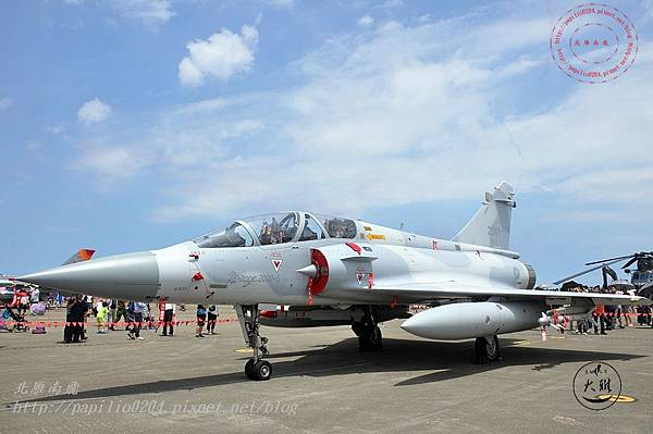 53 20140719清泉崗空軍基地營區開放-靜態展示幻象2000戰鬥機.JPG