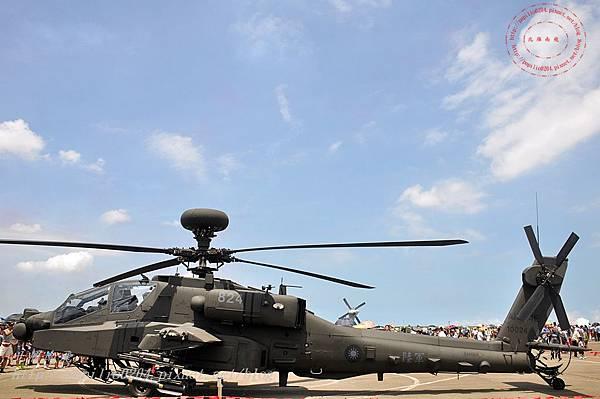 56 20140719清泉崗空軍基地營區開放-靜態展示AH-64E阿帕契直升機.JPG