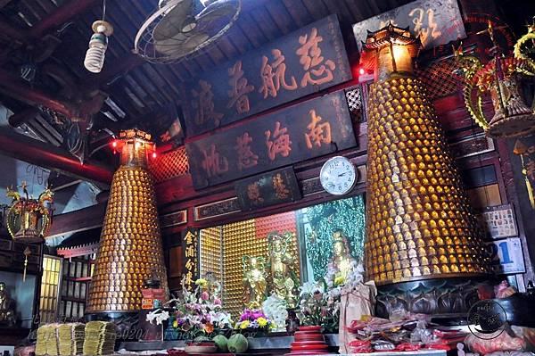 21金門靈濟寺正殿.JPG