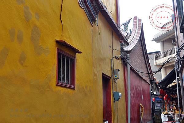 26金門靈濟寺側牆.JPG