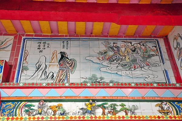 14烈嶼青岐天師宮左窗上方壁畫.JPG