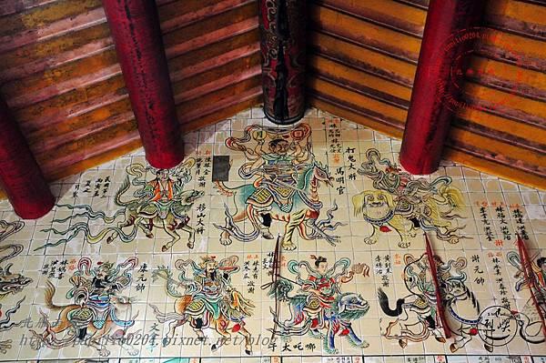 23烈嶼青岐天師宮內部右側壁畫.JPG