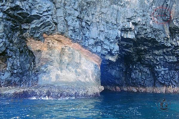 37鋤頭嶼海蝕洞