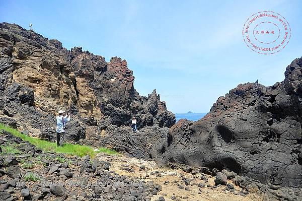 10東嶼坪嶼上的玄武岩脈