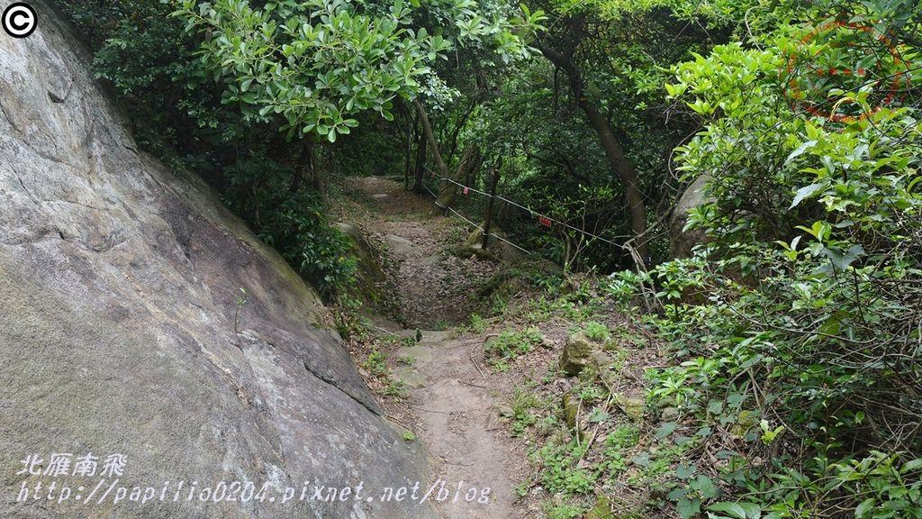 22太武山十二奇-蟹眼泉步道.JPG